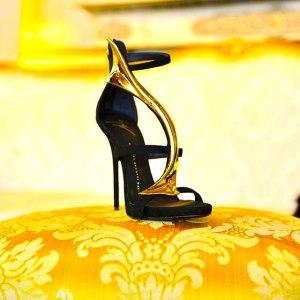 golden-shoes-3